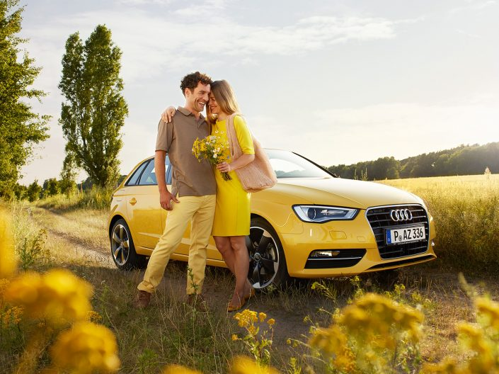 VGH car insurance countryside couple photography Berlin
